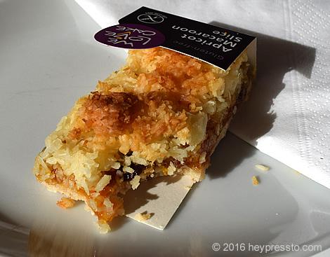 almond_macaroon_slice