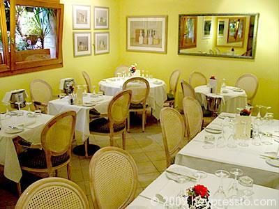 restaurant_interior_4_13fb76