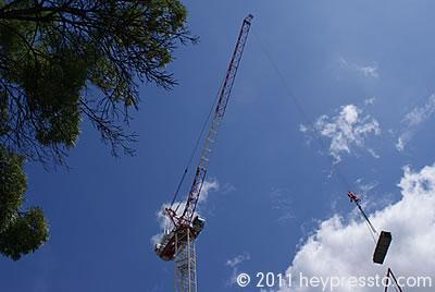 Crane with Load closer