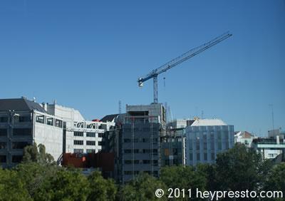 Madrid Crane