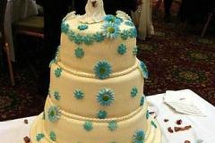 wedding_cake_with_couple_400_140138